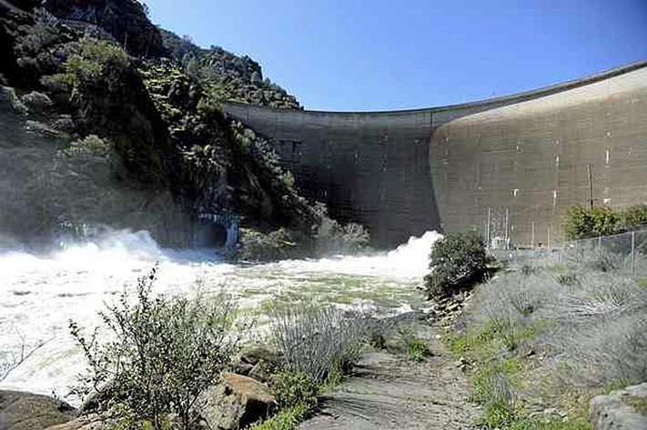 Dam outflowing 030117