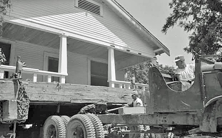 Monticello moving house3